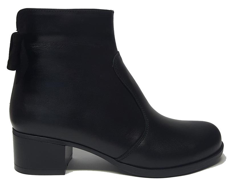 Женские кожаные ботинки «Бантик»